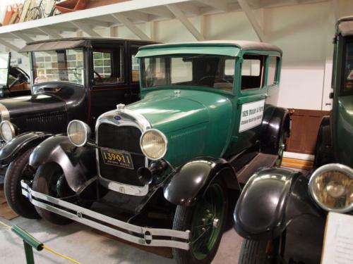 Car-Ford-ModelT-1929-Front&DriversSide-7228866-GOOD