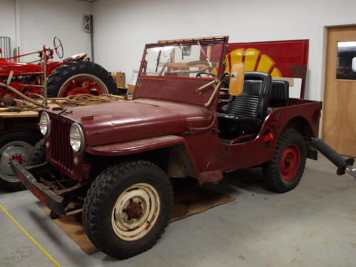 Car-Jeep-Red-DriversSide-7228858