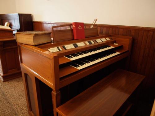 SwedishChurch-Organ-8209193